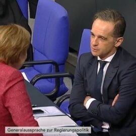 Wer trägt die Schuld an den hohen Fallzahlen? Merkel ohne Maske